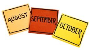 Август, сентябрь и октябрь на липких примечаниях Стоковое Изображение
