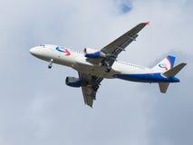 Авиакомпании аэробуса A320-214 Ural Стоковые Фото