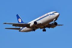 Авиакомпании Боинг 737 Belavia белорусские Стоковые Фото