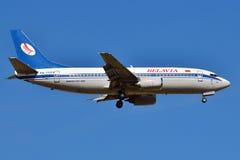 Авиакомпании Боинг 737 Belavia белорусские Стоковое Изображение