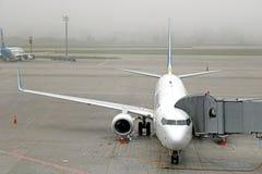 Авиакомпании международных перевозок Боинг 767 Украины в международном аэропорте Boryspil, Украине стоковые фото