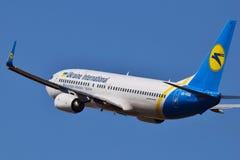 Авиакомпании международных перевозок Боинг 737 Украины стоковое изображение