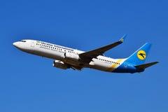Авиакомпании международных перевозок Боинг 737 Украины Стоковая Фотография