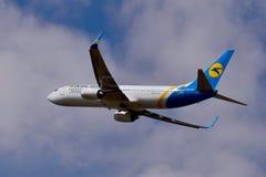 Авиакомпании международных перевозок Боинг 737 Украины Стоковые Изображения