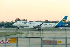 Авиакомпании международных перевозок Украины компании воздушных судн Стоковое фото RF