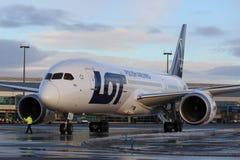 Авиакомпании СЕРИИ польские, Боинг B787 Dreamliner Стоковая Фотография