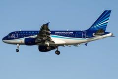Авиакомпании AK-AZ04 Azal Азербайджана, аэробус A319-111 Стоковые Фото