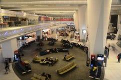 авиапорта delhi новая duty-free международная стоковые изображения rf