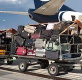 Авиапорт, багаж на большой тележке Стоковое Изображение