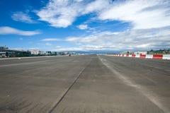 Авиапорт Гибралтара, взлётно-посадочная дорожка стоковые фото