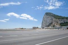 Авиапорт Гибралтара, взлётно-посадочная дорожка стоковое фото