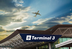 Авиапорт на заходе солнца Стоковая Фотография