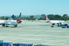 Авиапорт Сан Антонио - самолеты на пандусе Стоковая Фотография RF