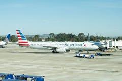 Авиапорт Сан Антонио - самолеты на пандусе Стоковое Фото