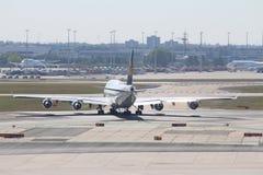 Плоскости на авиапорте Франкфурта Стоковые Фото