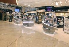 авиапорт duty-free стоковое изображение rf