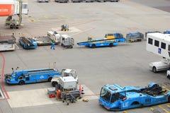 Авиапорт Schiphol Амстердама Нидерланды - 14-ое апреля 2018: корабли assitence Стоковое Изображение RF
