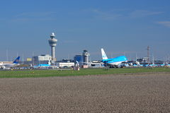 Авиапорт Schiphol Амстердама стоковые фотографии rf