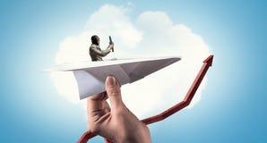 Авиатор в плоскости бумаги Мультимедиа Стоковое Изображение