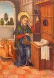 АВИЛА, ИСПАНИЯ: Краска St Luke евангелист на бортовом алтаре в Catedral de Cristo Сальвадоре неизвестным художником стоковое изображение