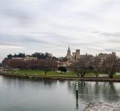 Авиньон, в области Провансали, Франция Исторический укрепленный город известный для дворца Пап, оно пересечено Рона стоковое изображение rf