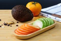 Авокадо и томат Стоковое Изображение