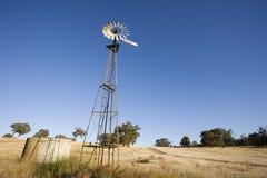 Австралийские мельница и танк ветра стоковое изображение
