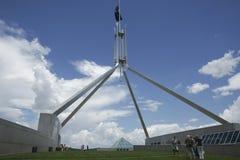 австралийский парламент дома настилает крышу верхняя часть стоковые фотографии rf