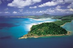 Австралия: Антенна входа холма & пляжа Whitehaven, острова Whitsunday стоковые изображения