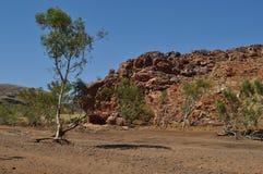 Австралийская засуха выхода скалы на поверхность захолустья Стоковое Фото