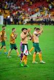 Австралийские футболисты благодаря толпу стоковые изображения