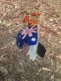 Австралийские флаг и металлическая пластинка на королях Парке бульвара почетности стоковая фотография rf