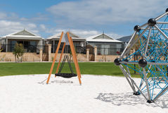 Австралийский пригород с новой спортивной площадкой Стоковые Фотографии RF