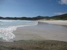 Австралийский южный пляж с белыми песком и чистой водой Стоковая Фотография