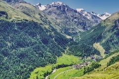 Австриец Альп в Тироле, солнечной долине Oetztal стоковое фото