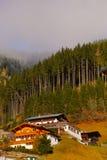 Австрийские дома в горах Стоковое фото RF