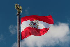 Австрийский флаг дуя в ветре Стоковые Изображения