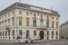 Австрийское федеральное ведомство канцлера на Ballhausplatz в вене, Австрии стоковые изображения rf