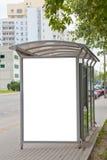 автобусная остановка афиши пустая стоковая фотография rf
