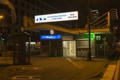 Автобусная станция в Любляне к ноча Стоковое Фото