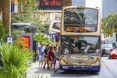 Автобусное обслуживание Deuce на прокладке Лас-Вегас - ЛАС-ВЕГАС - НЕВАДЫ - 23-ье апреля 2017 Стоковые Изображения