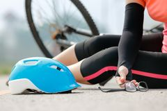 Автокатастрофа аварии с велосипедом на дороге Стоковая Фотография