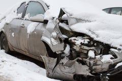Автокатастрофа на дороге зимы стоковое изображение