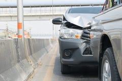 Автокатастрофа от автомобильной катастрофы на дороге Стоковые Фотографии RF
