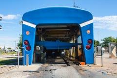 Автоматизированная портальная мойка машин при автомобиль бежать до конца Стоковое Изображение RF
