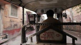 Автоматическая рикша в Джодхпуре сток-видео