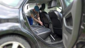 Автоматические место чистки обслуживания автомобиля, чистка и вакуумировать акции видеоматериалы