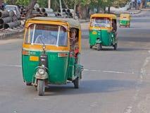 Автоматические рикши на дороге в Дели Стоковое Изображение RF