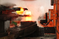 Автоматический горячий штемпелюя процесс Стоковое фото RF