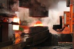 Автоматический горячий штемпелюя процесс Стоковое Изображение